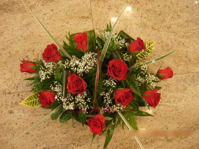 Clic pentru a vedea imaginea mărită Cosulet trandafiri rosii