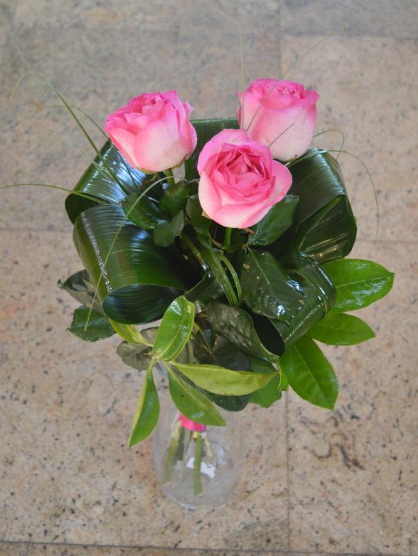 Clic pentru a vedea imaginea mărită Buchet trandafiri